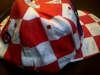 Picture of Hrvatska nogomentna reprezentacija: Kapa i majica, s potpisima, Francuska 1998